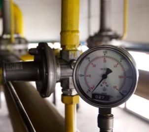 Vízhálózat kiépítés, Vízhálózat javítás, KPE vízvezeték kiépítés, Gázhálózat kiépítés, vascsővel, réz csővel, KPE gázvezeték, Gázkészülék felszerelés, gázkészülék beüzemelés, Gáz készülékjavítás, Kazánház, fűtő és hő központok kiépítése, Elektromos fűtés, gázfűtés, vegyes tüzelésű, pellet üzemű fűtési rendszerek kiépítése, Vízteres kandallók bekötése, Padlófűtés, falfűtés rendszerek kiépítése, réz cső, műanyag cső és 5 rétegű csővel, Napkollektor tervezés, Napkollektor szerelés, Légfűtő rendszerek szerelés, fan-coil és thermo ventilátorszerelés és karbantartás, Régi fűtésrendszerek felújítás, fűtés átalakítás, fűtéskorszerűsítés, környezetkímélő technológiák, Olcsó fűtés, gazdaságos fűtés,